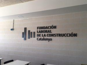 Logotipo letras y piezas corpóreas metacrilato Fundación Laboral